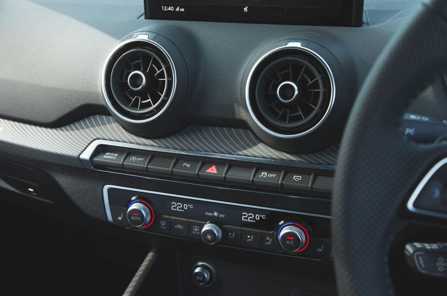 Audi SQ2 2019 road test review - climate controls
