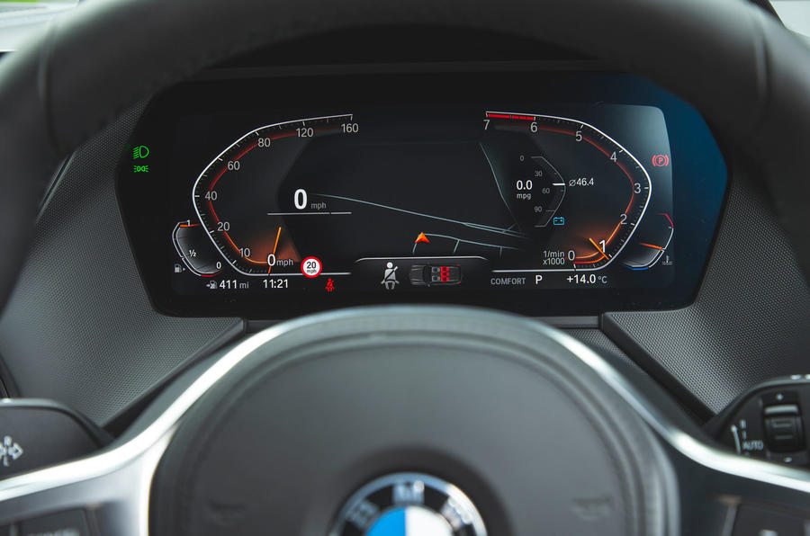 BMW 1 Series 118i 2019 road test review - instruments