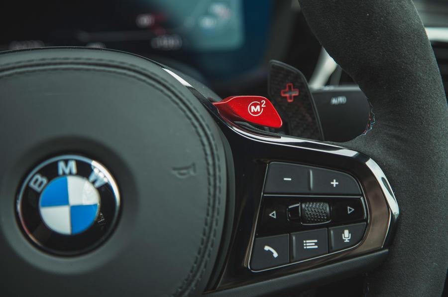 17 BMW M5 CS 2021 RT palettes de commande