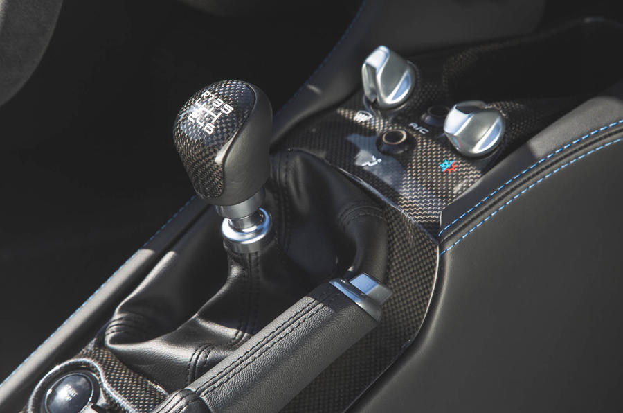 Dallara Stradale 2019 road test review - gearstick