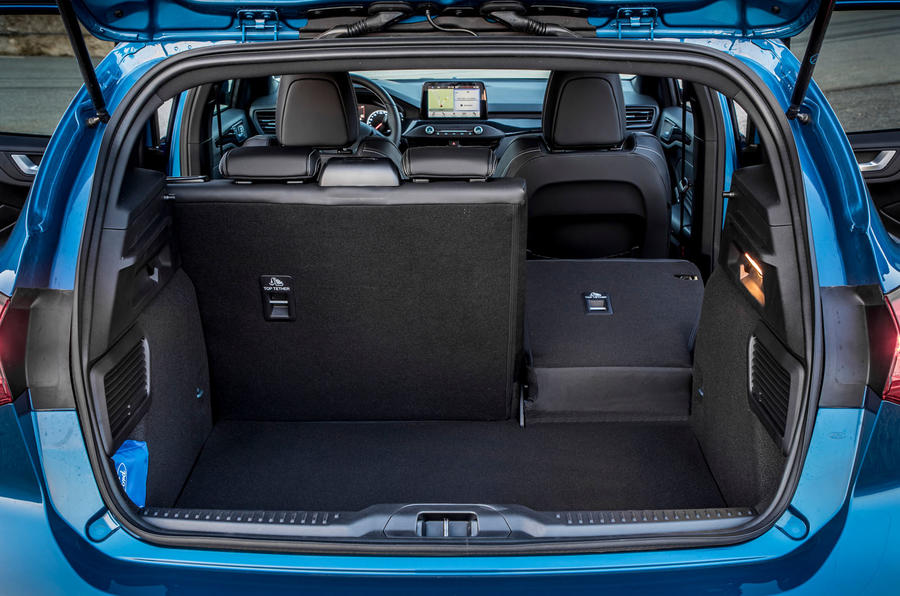 Ford Focus ST 2019 review - boot