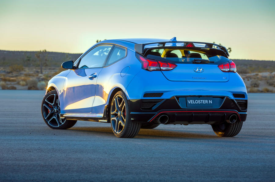 Hyundai Veloster N 2018 review - static rear