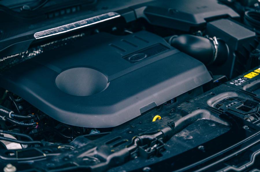 17 Land Rover Range Rover Evoque 2021 moteur d'essai routier revue