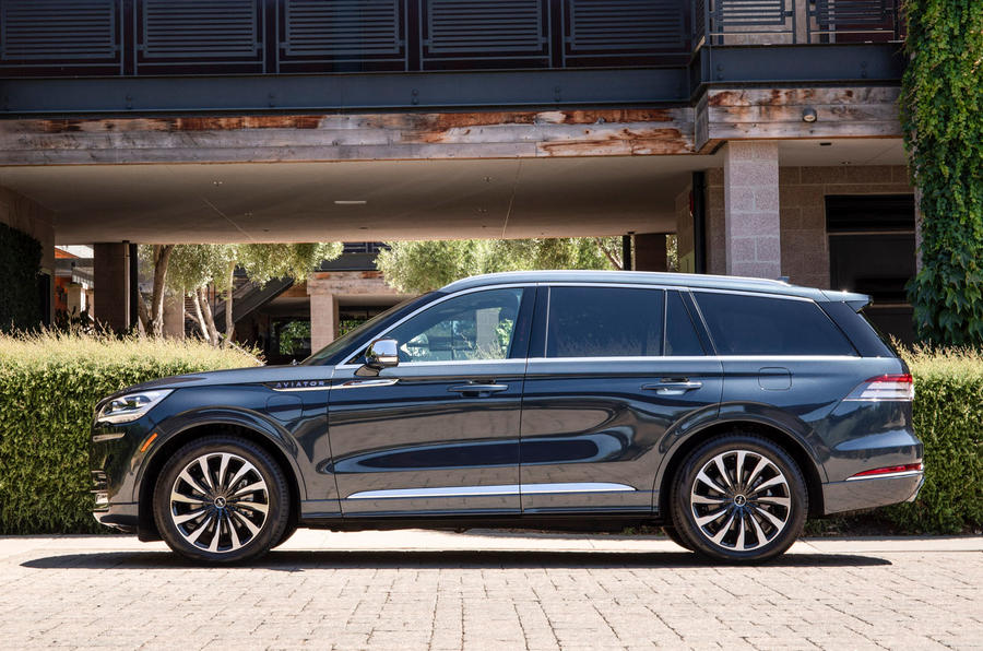 Lincoln Aviator 2020 road test review - static side