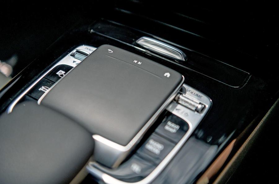 Mercedes-Benz CLA 2019 road test review - centre console