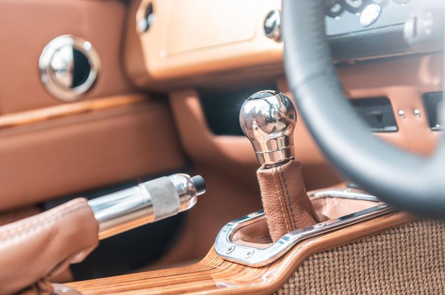 Morgan Aero GT 2018 review - gearstick