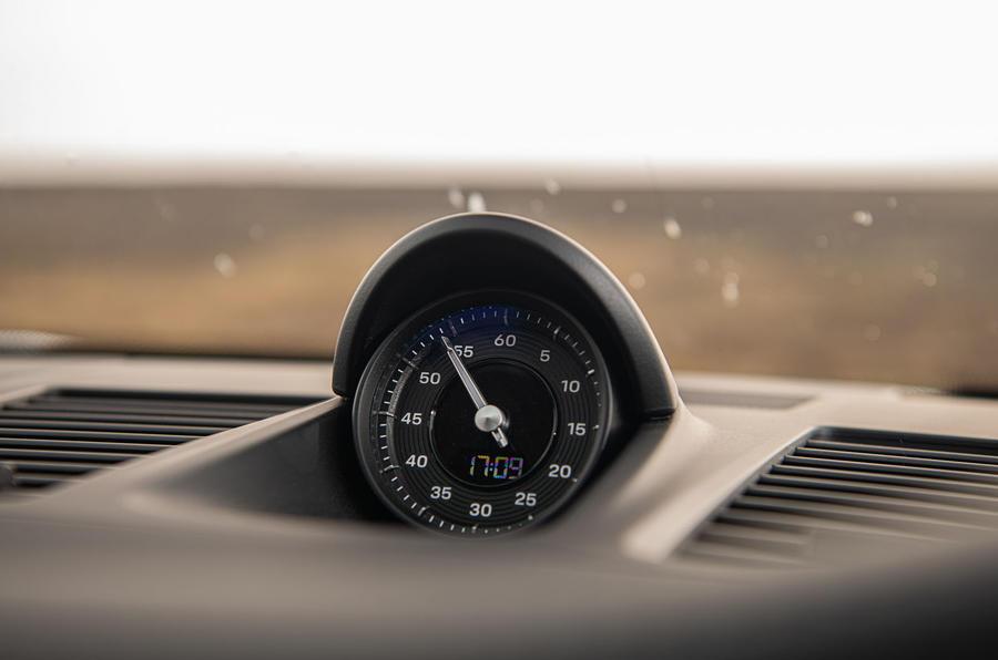 Porsche 911 Carrera S 2019 road test review - clock