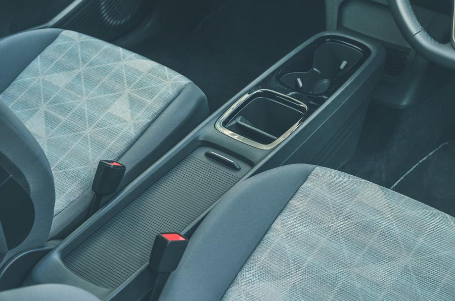 17 VW ID 3 2021 essai routier console centrale