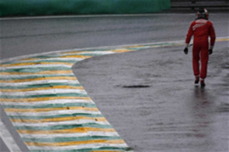Barrichello takes F1 pole