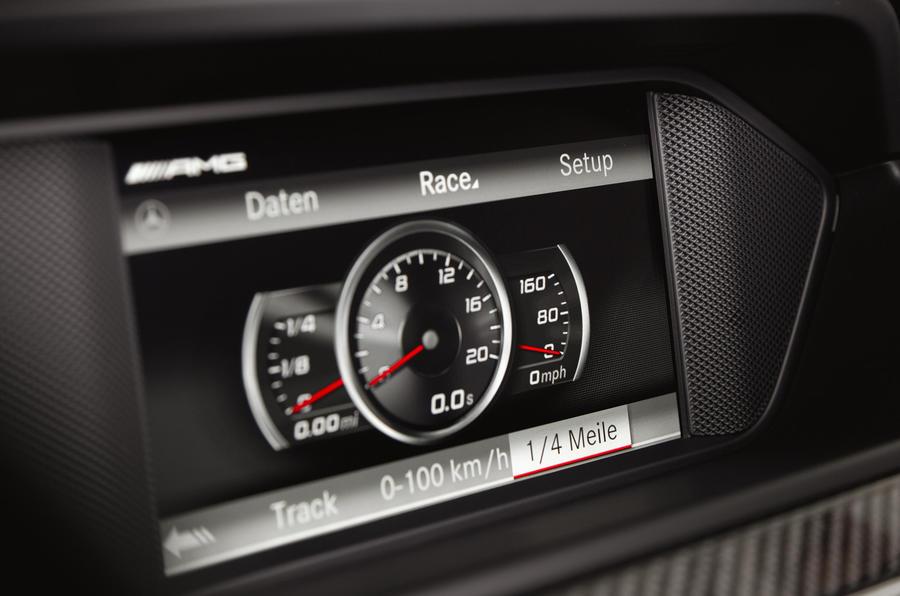 Mercedes-AMG C 63 Black Series infotainment