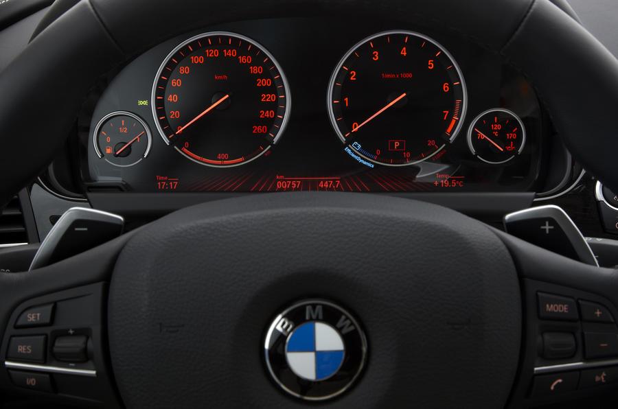 BMW 640i Coupé instrument cluster