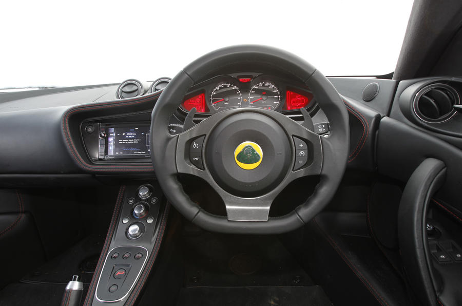 Lotus Evora S +2 IPS dashboard