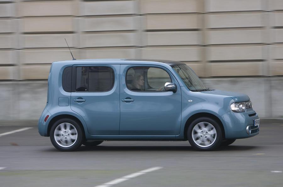 Nissan Cube side profile