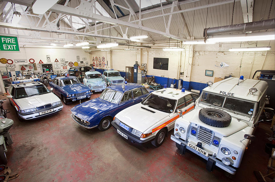 Vintage police cars: Rover P6 3500S