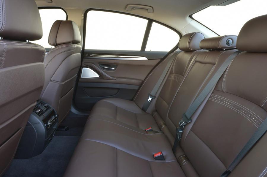 BMW 530d Luxury rear seats
