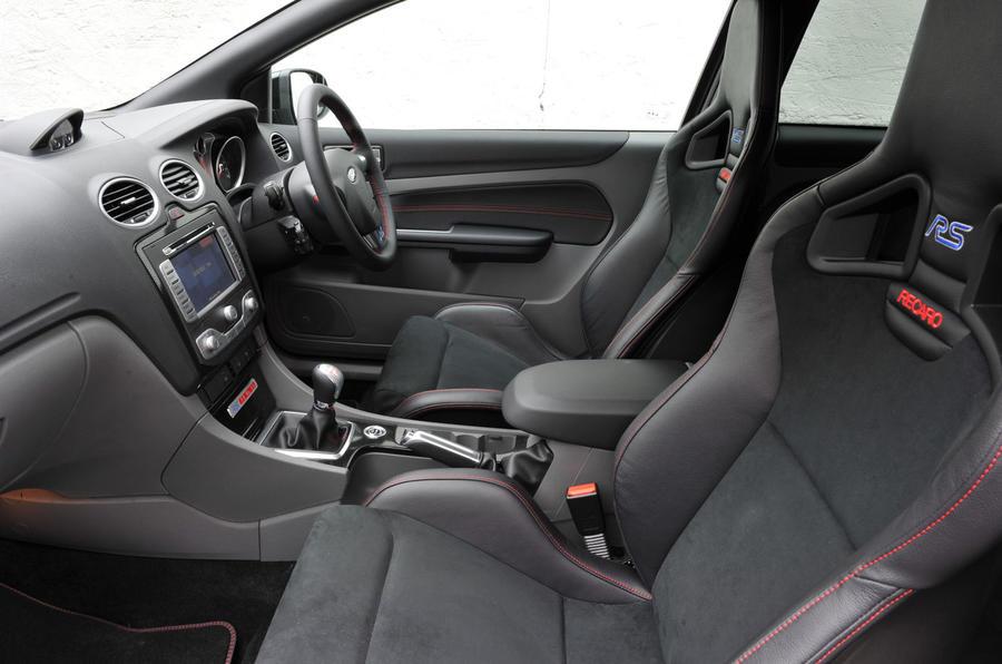ford focus rs500 review autocar. Black Bedroom Furniture Sets. Home Design Ideas