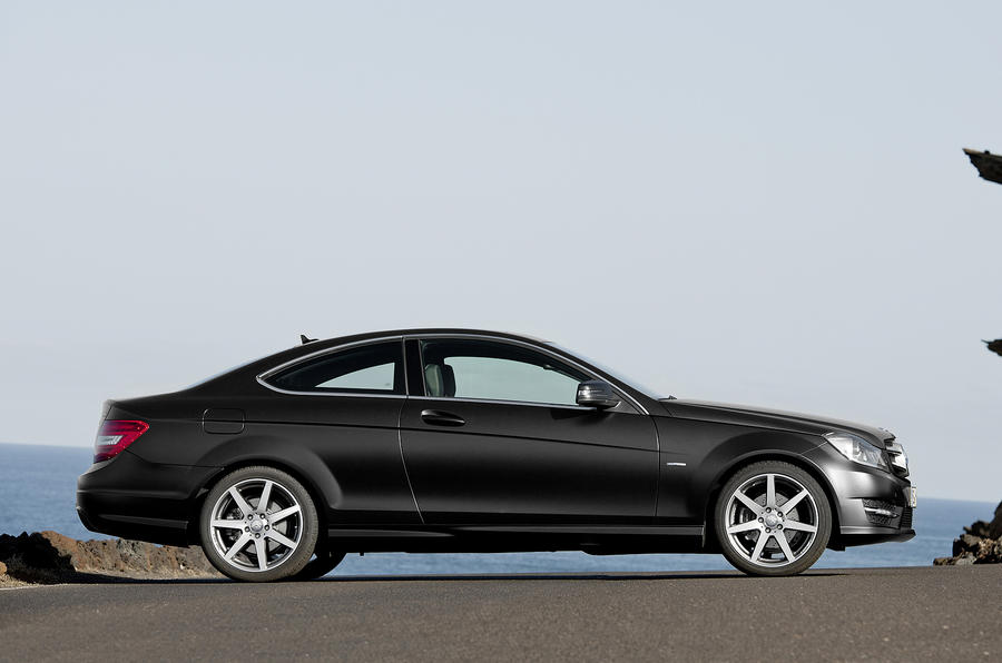 Mercedes-Benz C 250 CDI Coupé side profile