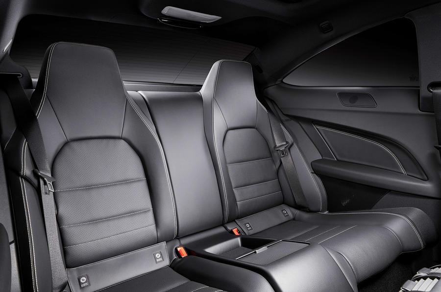 Mercedes-Benz C 250 CDI Coupé rear seats