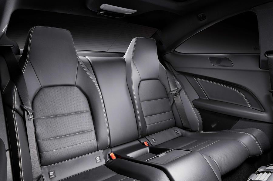 Mercedes-Benz C 250 CDI Coupé rear seats