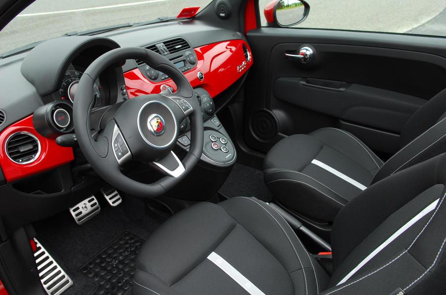 Fiat 500C Abarth dashboard