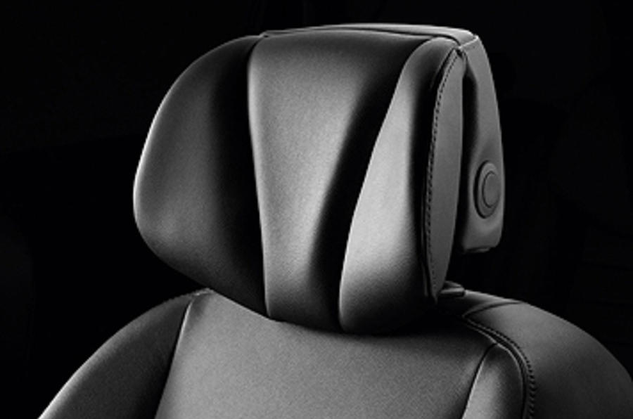 Renault Scenic head rest