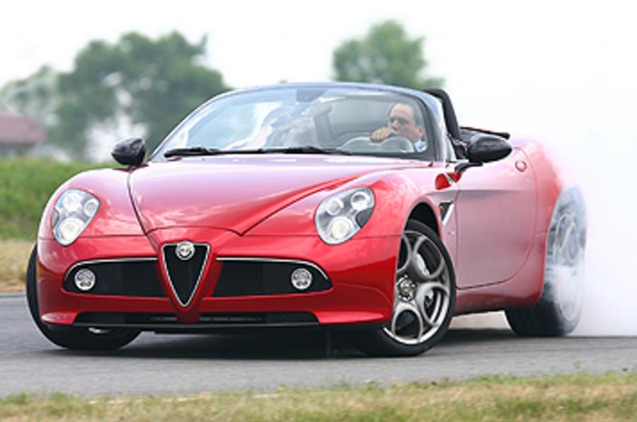 Alfa Romeo 8C Spider tyre smoke