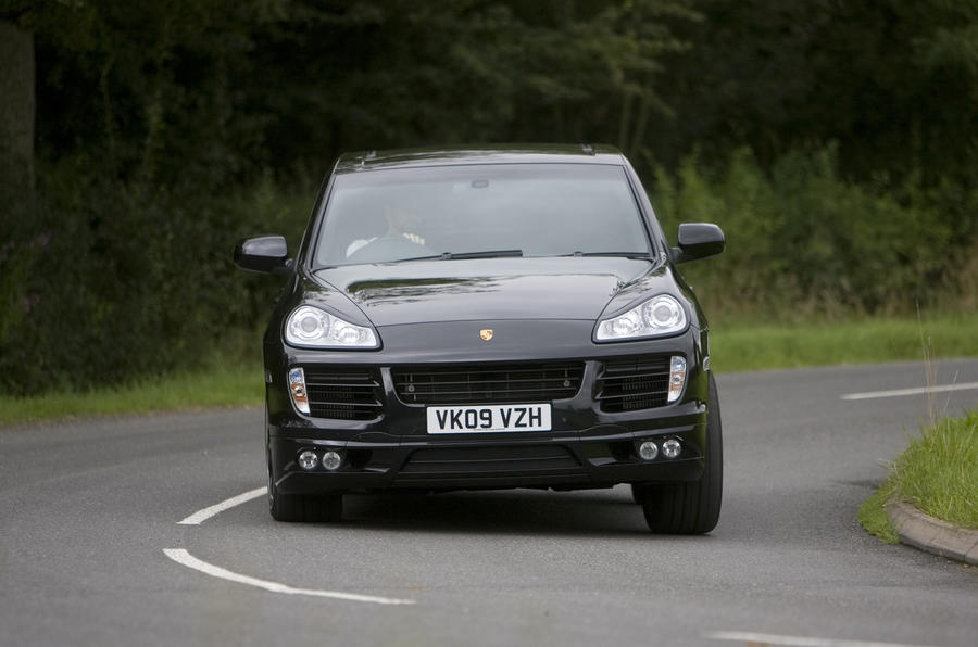Porsche Cayenne Techart cornering