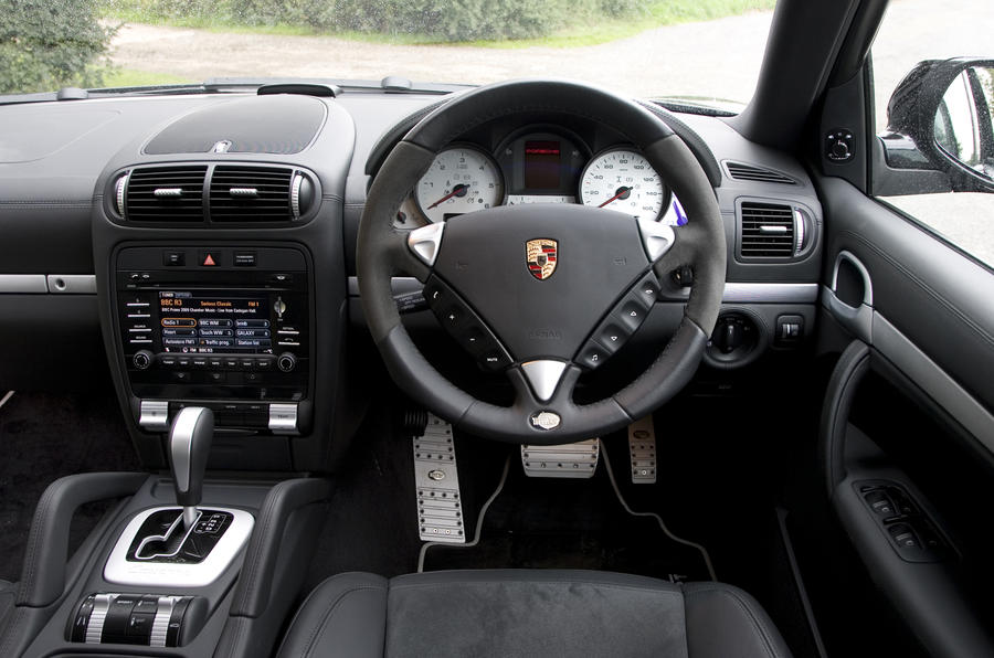 Porsche Cayenne Techart dashboard