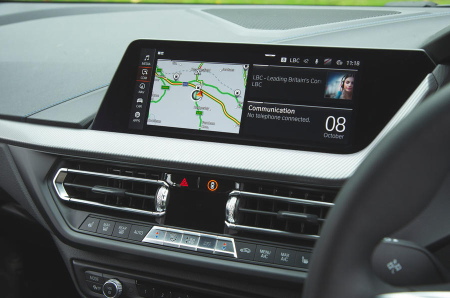 BMW 1 Series 118i 2019 road test review - infotainment