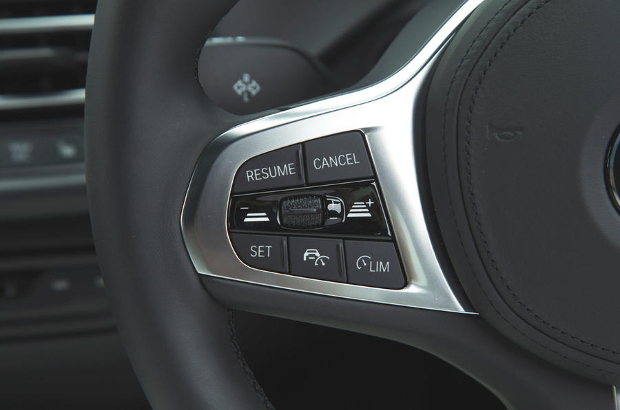 BMW 1 Series 118i 2019 road test review - steering wheel buttons