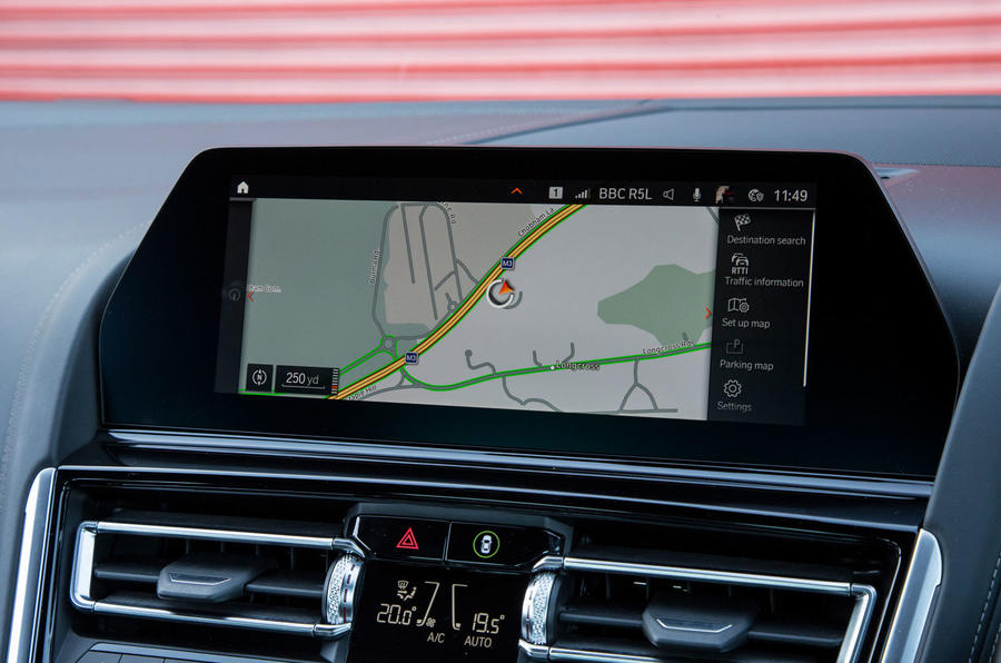 BMW 8 Series Coupé 2019 road test review - satnav
