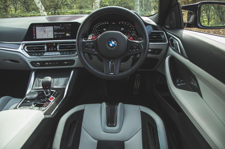 18 Tableau de bord de la BMW M4 Competition 2021 RT