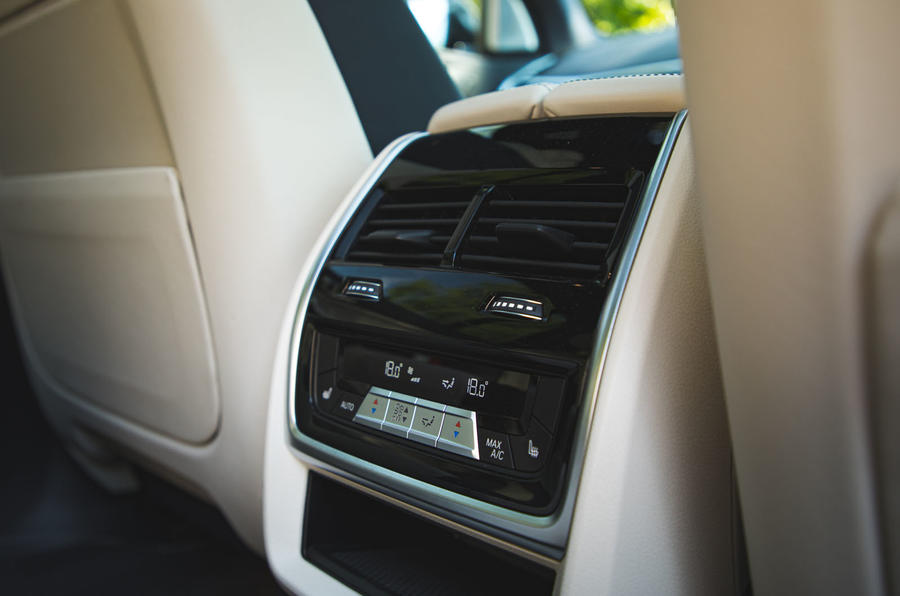 BMW X7 2020 road test review - rear climate controls