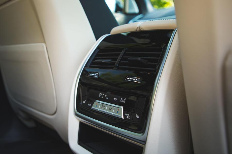 BMW X7 2020 : révision de l'essai routier - climatisation à l'arrière