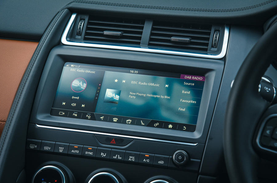 Jaguar E-Pace review infotainment