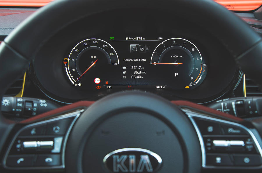 Kia Xceed 2019 road test review - instruments