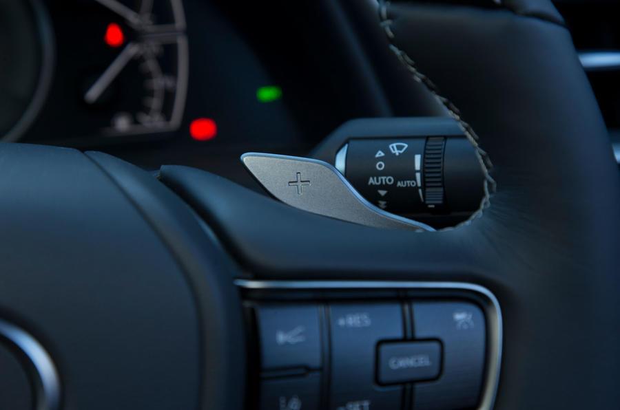 Lexus ES 2019 road test review - paddle shifters