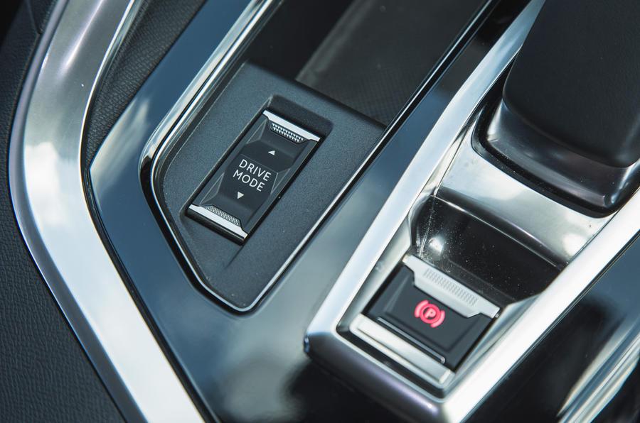 18 Peugeot 3008 2021 RT modes de conduite