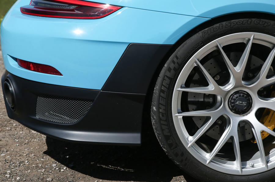 Porsche 911 GT2 RS 2018 road test review rear arch