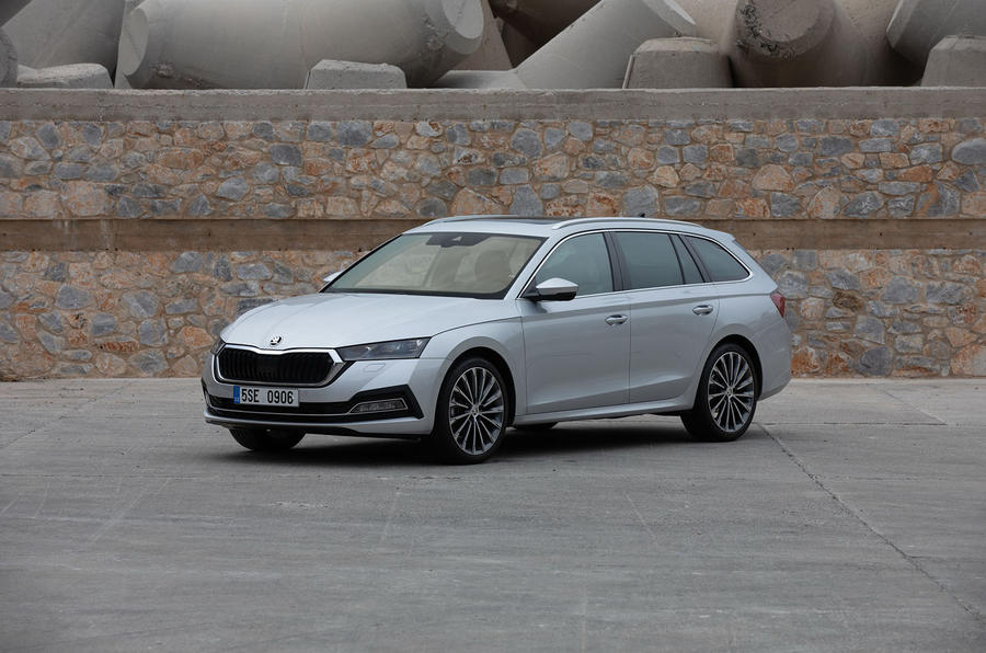 Skoda Octavia Estate 2020 road test review - static front