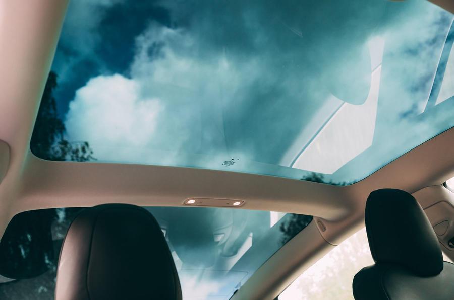 Tesla Model 3 road test - sunroof