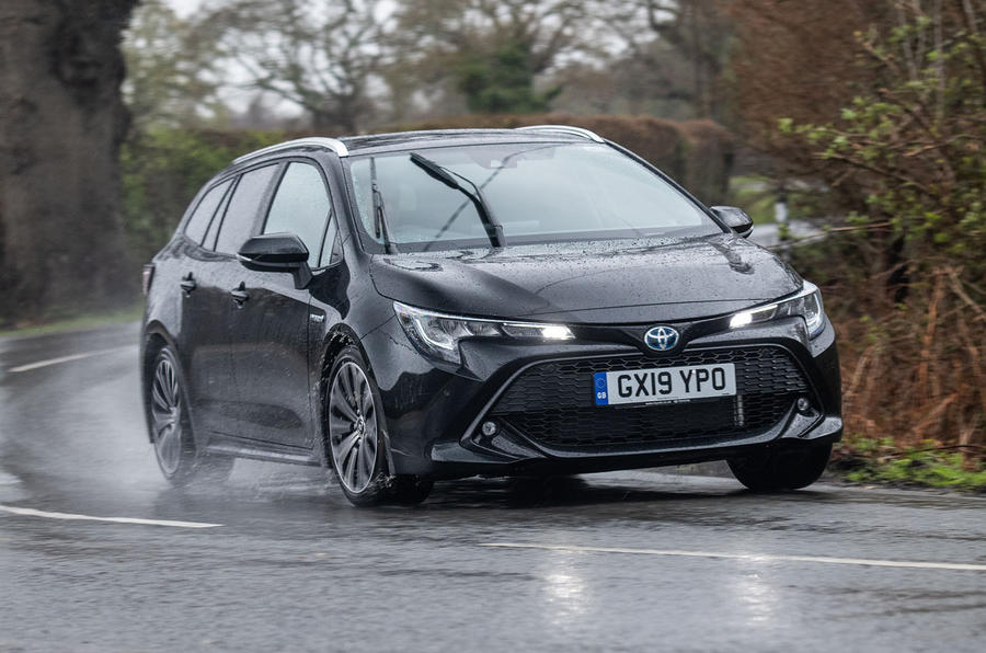 Toyota Corolla Touring Sports 2019 road test review - cornering front