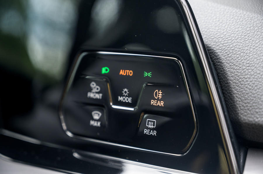 Volkswagen Golf 2020 road test review - light controls