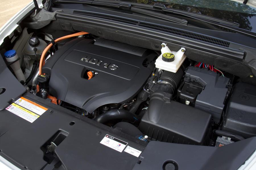 2.0-litre Citroën DS5 Hybrid4 petrol engine