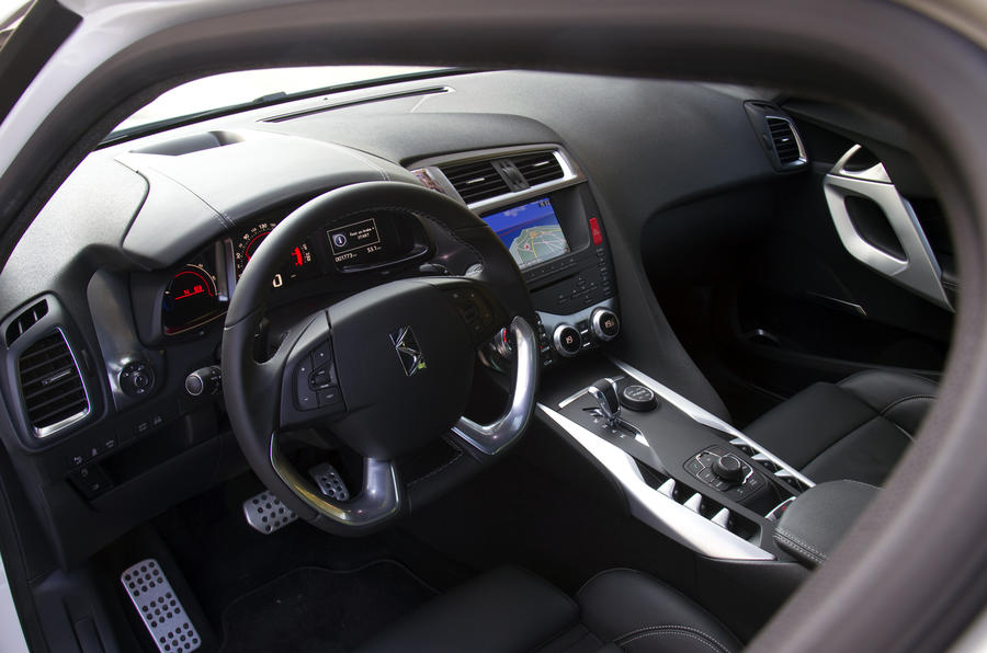 Citroën DS5 Hybrid4 dashboard