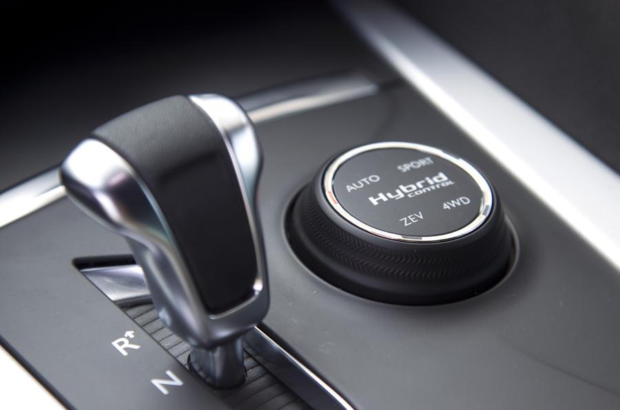 Citroën DS5 Hybrid4 automatic gearbox