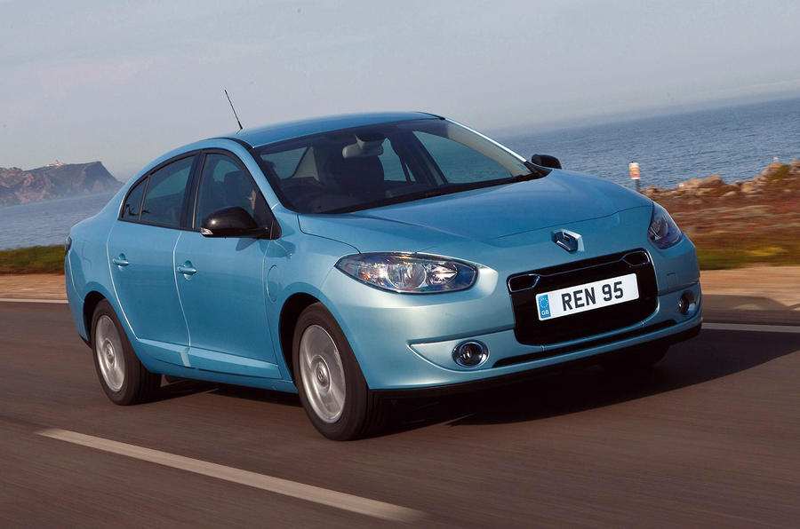 renault fluence ze first drive. Black Bedroom Furniture Sets. Home Design Ideas