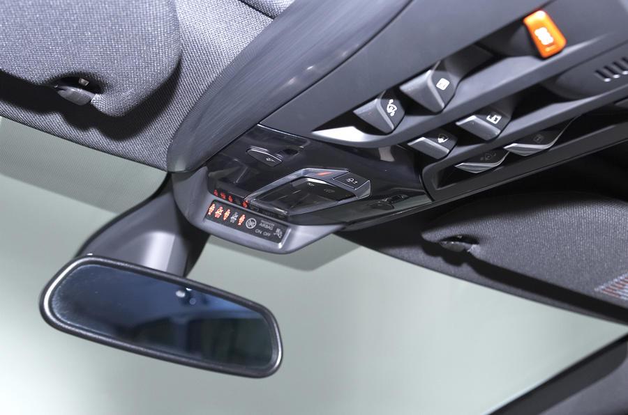 Citroën DS5 Hybrid4 rear view mirror