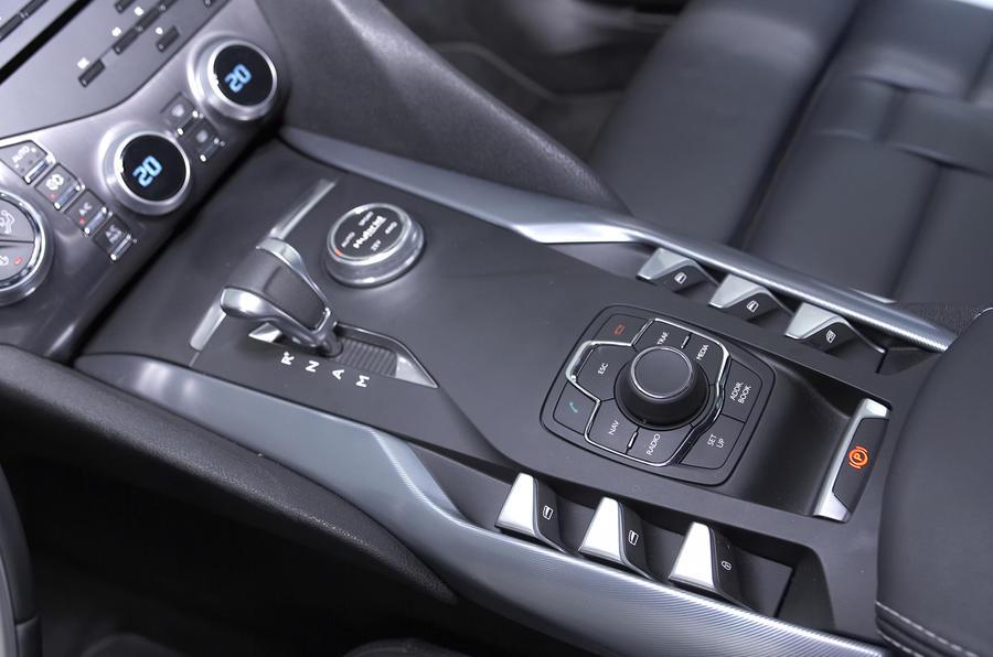 Citroën DS5 Hybrid4 centre console