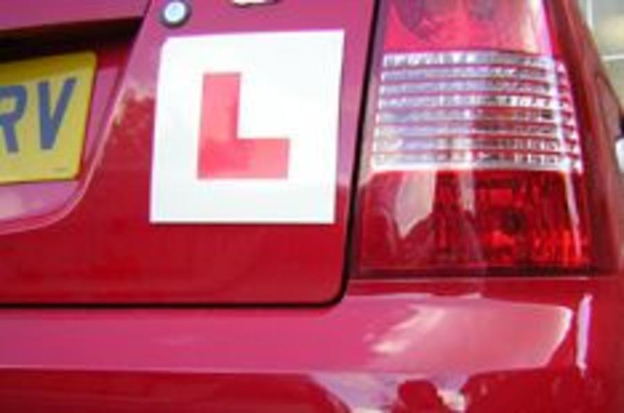 Insurers call for year-long driving test